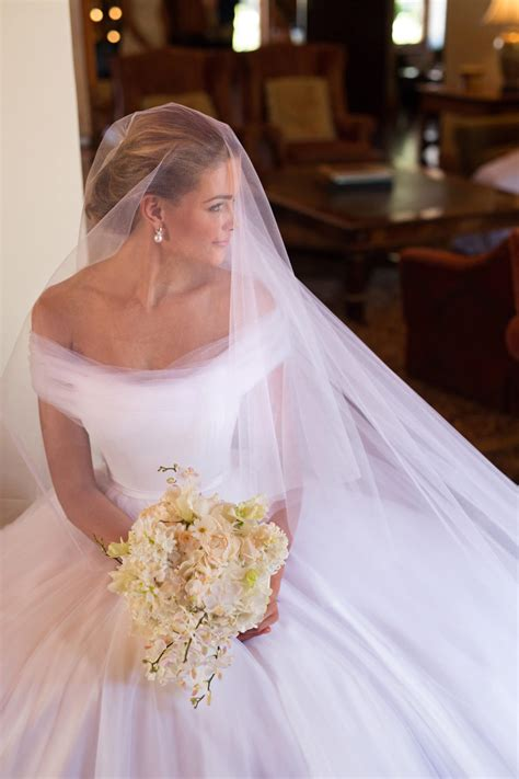 Simple Dress Wedding Veil