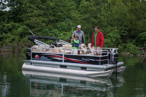 pontoon fishing boats bass pro sun tracker boats fishing pontoons 2015 bass buggy 16