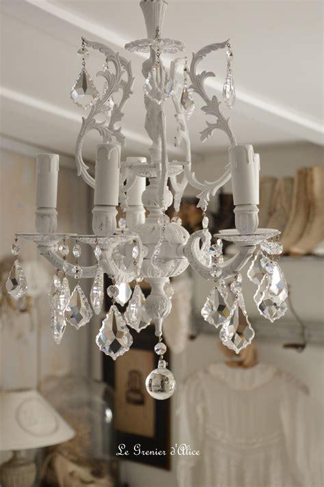 lustre chambre gar輟n lustre cinq branches le blanc pour un effet shabby chic