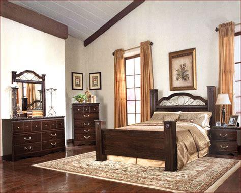 standard furniture poster bedroom set sorrento st 4000set