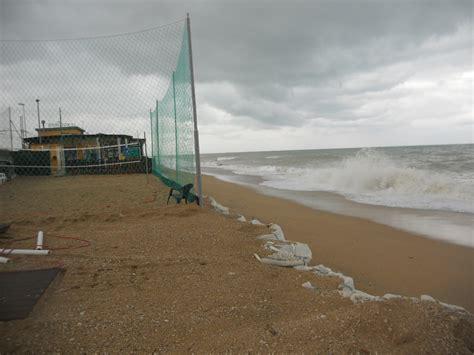 chalet mauro porto recanati porto recanati ancora devastata dalle mareggiate