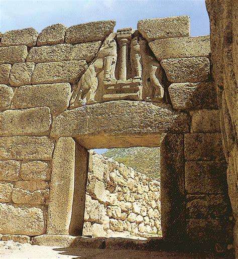 la porta dei leoni cretese micenea