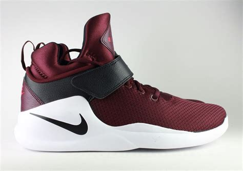 maroon nike basketball shoes nike maroon basketball shoes 28 images nike kyrie