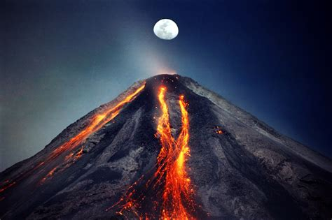 Volcano L by Lava Ash Lightning The Volcano Photo Wired