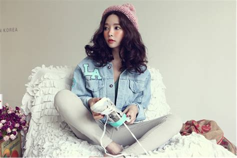 Korean Style Fashion Girl Letter Patterns Big Pockets