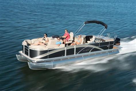 luxury pontoon boats reviews best 25 luxury pontoon boats ideas on pinterest