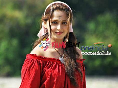anushka shetty marriage husband details 25cineframes anushka shetty marriage rumours wedding news rajamouli