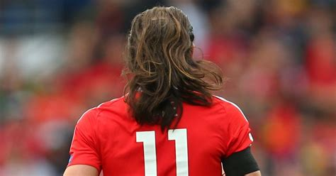 how to trim your hair lile bale gareth bale s hair falls out of his man bun during wales