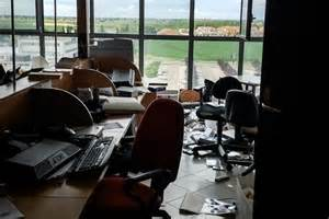 sede radio italia emilia dentro le radio distrutte dal sisma
