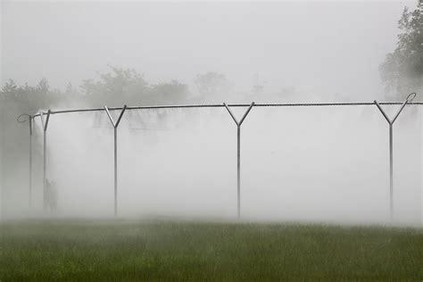 Lu Fog L Persona fog assembly aux jardins de versailles l eau brouillard light zoom lumi 232 re le portail de la