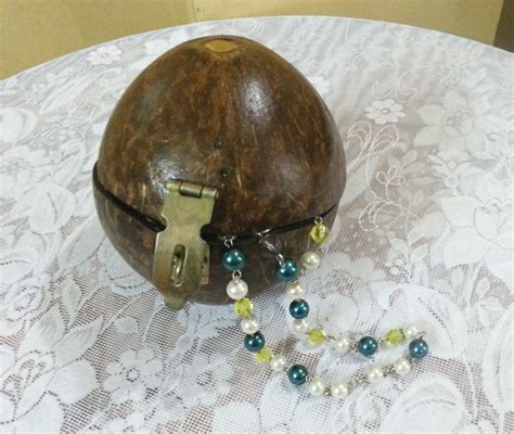 coconut shell jewelry box     recycled box