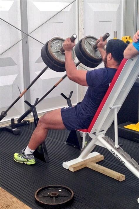 manu tuilagi bench press pumped up and raring to go manu tuilagi gets on the