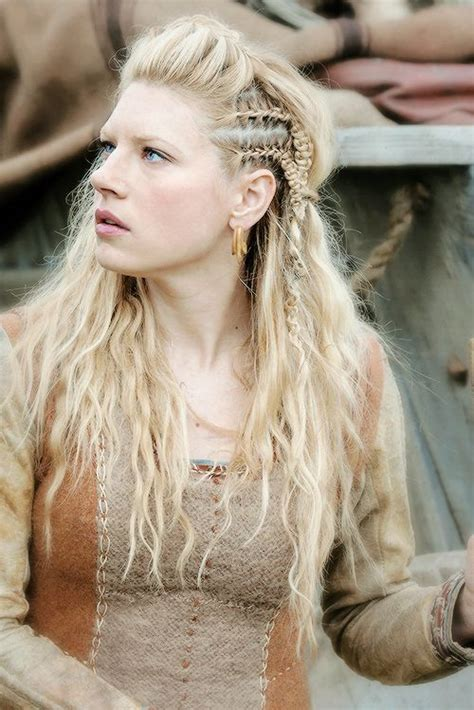 how to plait hair like lagertha lothbrok lagertha vikings and lagertha hair on pinterest