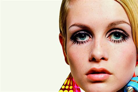 the two faces of twiggy at 59 how airbrushing in olay ad inspiration of the week twiggy the blonde salad