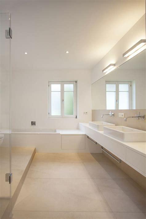 bodenfliesen badezimmer grau die besten 17 ideen zu graue fliesen auf u
