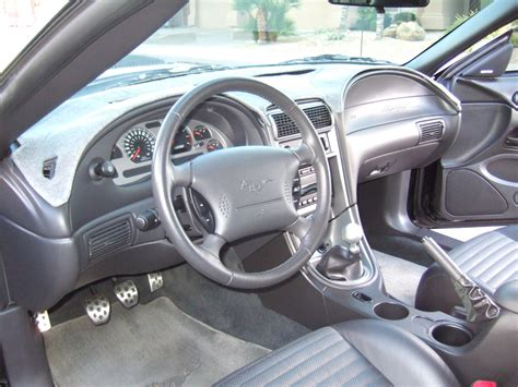 picture of 2004 ford mustang mach 1 interior
