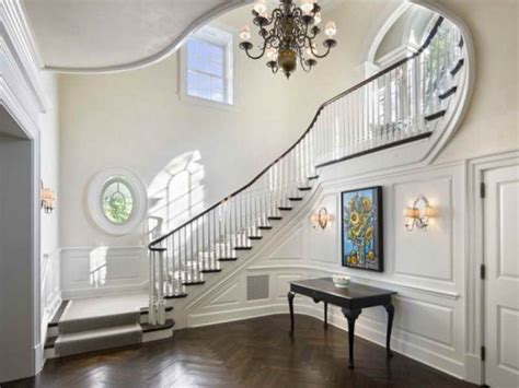 Decorating Ideas For Staircase Landing by Stairs Landing Decorating Ideas Entryways Halls