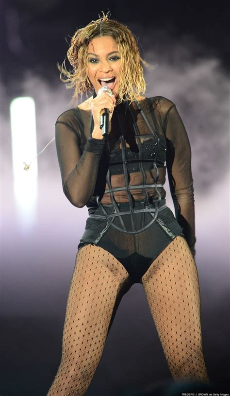 Beyonce In A by Beyonce Skips 2014 Grammys Carpet To Open Show Photos