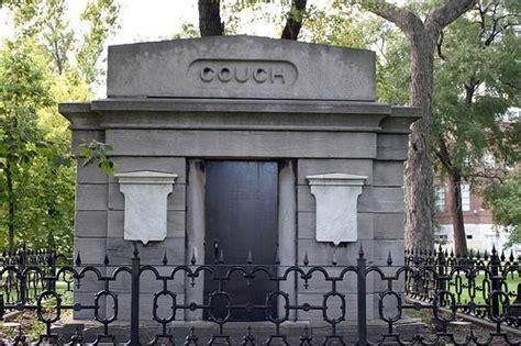 Couch Mausoleum Chicago Illinois