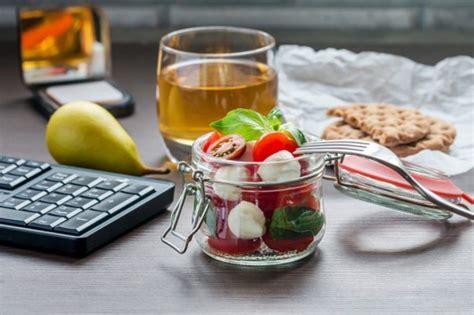 ricette pausa pranzo in ufficio pausa pranzo in ufficio con il mangiare portato da casa