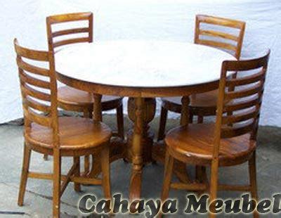 Kursi Kayu Bundar set kursi makan meja bundar 4 kursi jati set meja makan