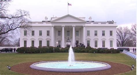 white house grounds intruder breaches white house grounds arrested near residence entrance cw39 newsfix