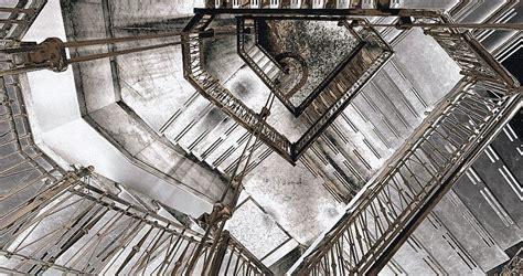 sognare scale mobili sognare scale a chiocciola