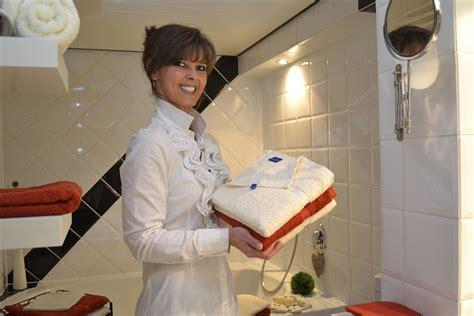 badezimmer putzen putzen im haushalt anleitungen putzplan und tipps einer