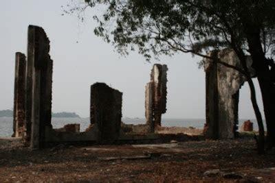 Novel Misteri Harta Karun Pulau Hijau misteri harta karun voc belanda jendela dunia