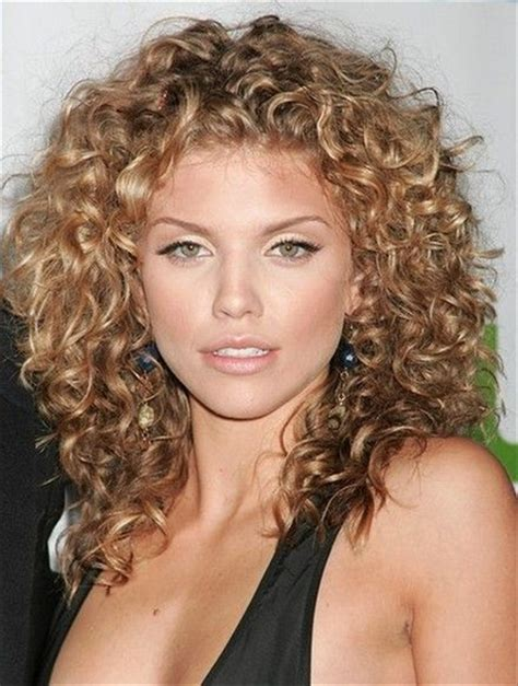 Hairstyles For Medium Hair Curly by Medium Hairstyles Curly Hair