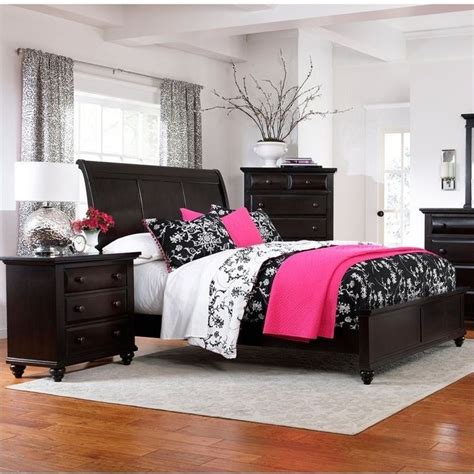 broyhill farnsworth bedroom set 1000 ideas about black stains on pinterest blanket