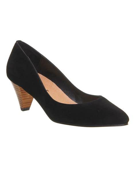 office madrid point court heels in black black suede lyst