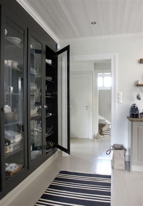 grand placard cuisine regardsetmaisons besoin d un grand placard en cuisine