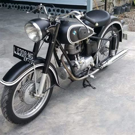 dijual motor tua antik bmw  lapak mobil  motor bekas