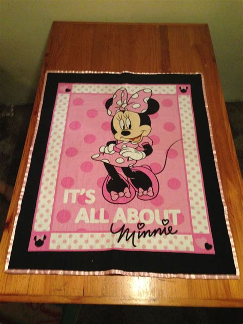 quot it s all about minnie quot minnie mouse cot panel quilt