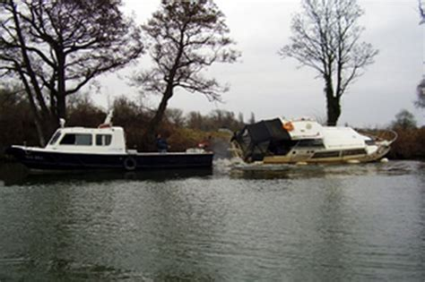 thames river cruise promotional code abandoned boat is removed from the river thames get surrey