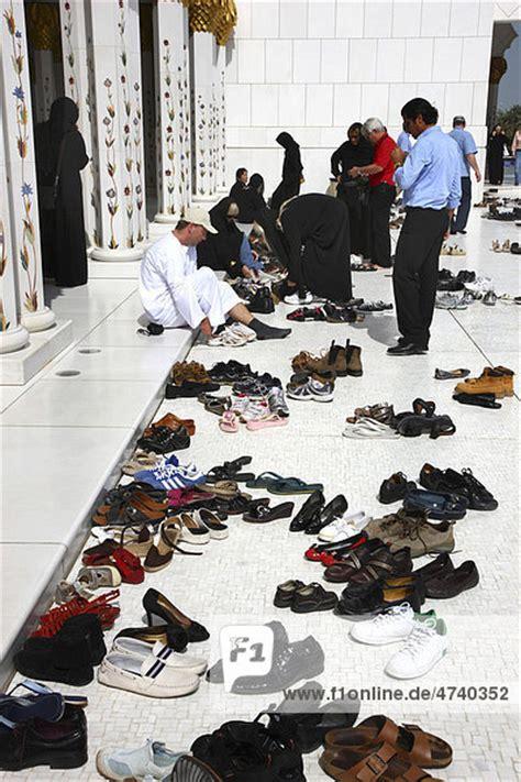 mietrecht schuhe vor der wohnungstür schuhe vor der schaich zayid moschee abu dhabi