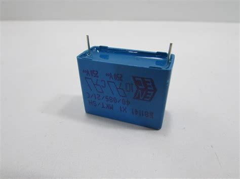 epcos capacitor any new epcos b81141c1334m capacitor poly 0 33uf 440vac 20 rad premier equipment solutions