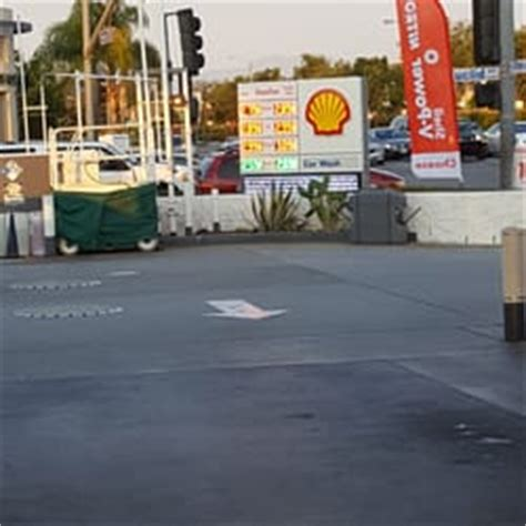 Garden Grove Gas Station Shell 84 Photos 34 Reviews Gas Stations 10971