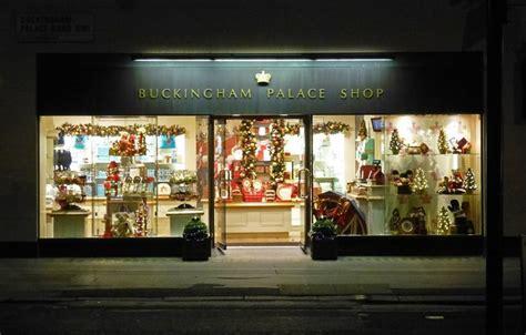 souvenir shop buckingham palace road 169 julian osley cc by