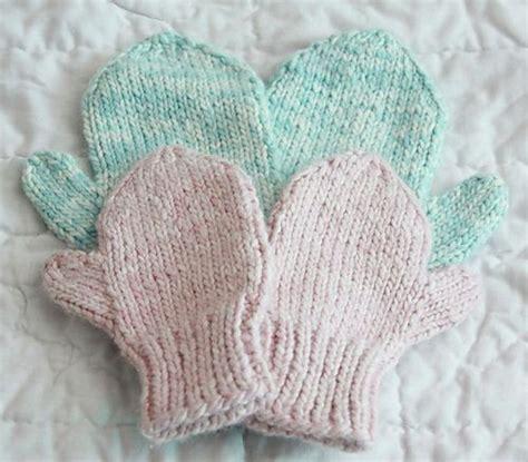 knitting pattern mittens easy ravelry easy knit mittens pattern by lion brand yarn