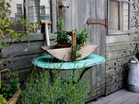 Outdoor Decor Ideas by Rustic Backyard Ideas Shabby Chic Garden Decor Rustic