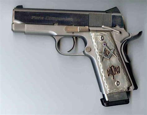 Handmade Gun Grips - gold and silver colt 1911 w e a p o n s