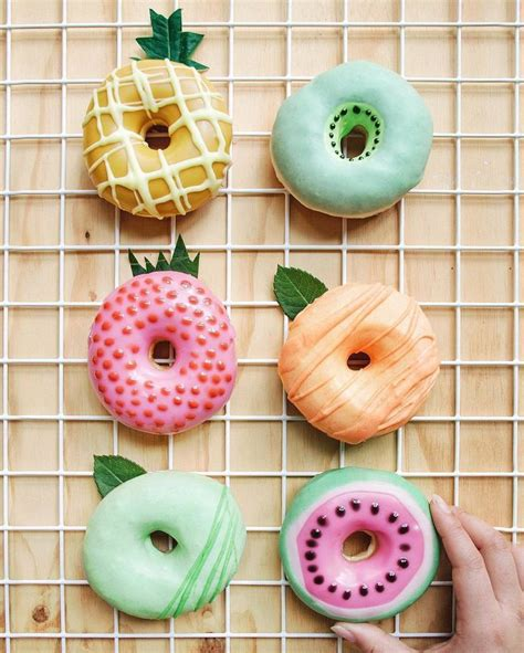 donut wallpaper pinterest 25 best ideas about cute donuts on pinterest donuts