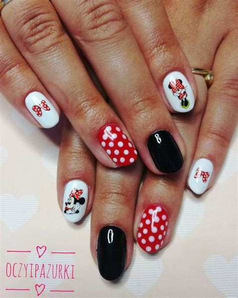 Minnie Mouse Nail Collection