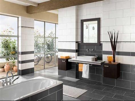badezimmer fliesen ideen schwarz weiß fliesen f 252 rs badezimmer bilder mit wei 223 und schwarz farben