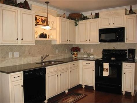 Kitchen Makeovers With White Appliances Kitchens With Black Appliances Black Appliances White