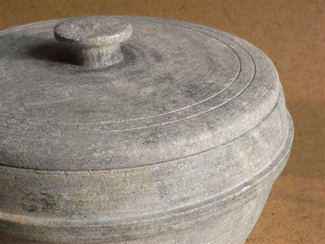 Soapstone Pot - file soapstone pot jpg wikimedia commons