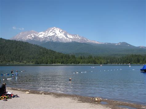 lake siskiyou boat launch dunsmuir and mount shasta area