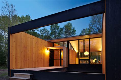 modern design in modest proportions prefab cottage homes modern modest lake house